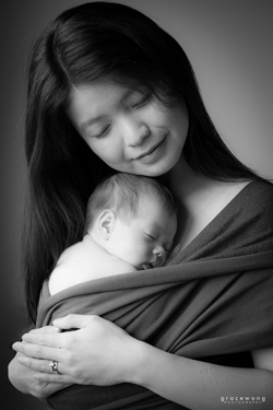 Sheffield newborn baby and family portraits photographer | Grace Wong Photography bio picture